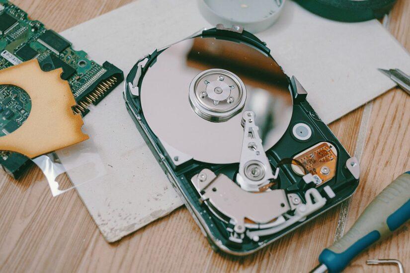 Odzyskiwanie danych z macierzy RAID przebojowy porządek.